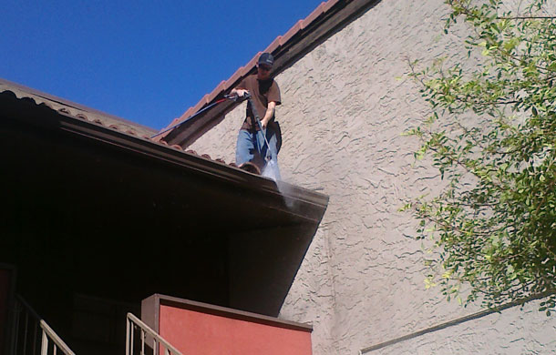 commercial-gutter-cleaning-queencreek